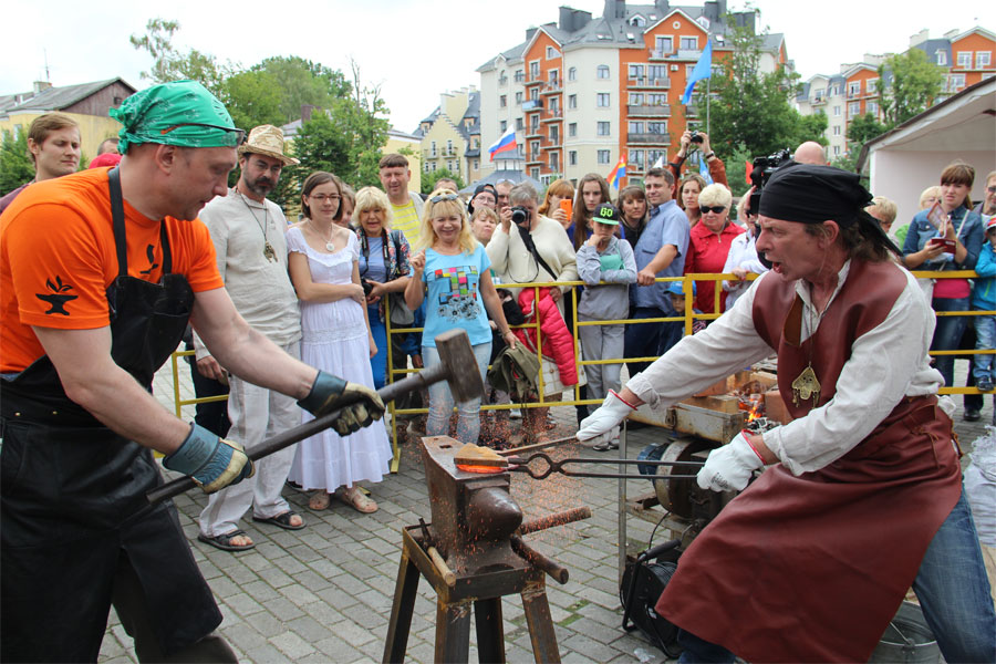 Кузнечное венчание на берегах Балтики
